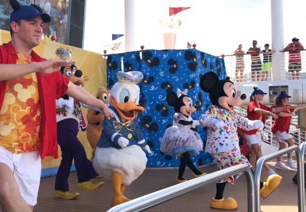It's a Good Time dance on Fantasy - Mickey and Minnie's Surprise Party
