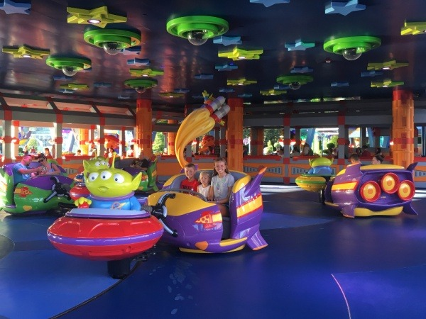 Toy Story Land Swirling Saucers