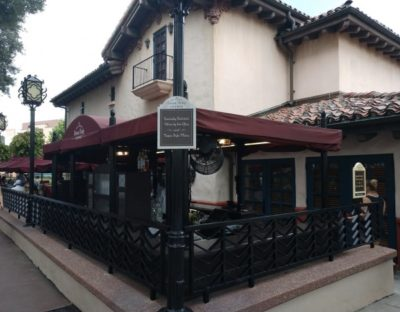 entrance to the Brown Derby Lounge