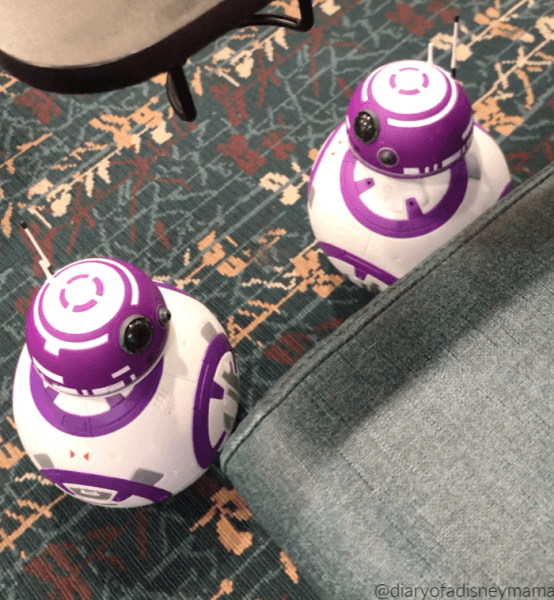 Droids Interacting in the Airport