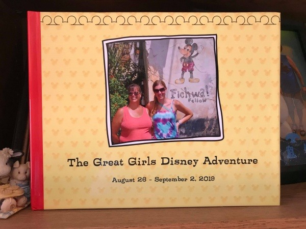 Disney photo album | Organizing for your Disney trip