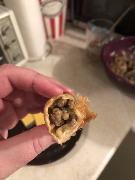 cheeseburger spring rolls