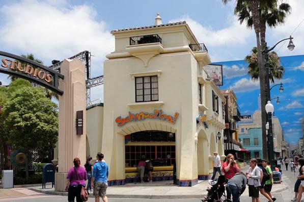 Reviews of Disney California Adventure Schmoozies