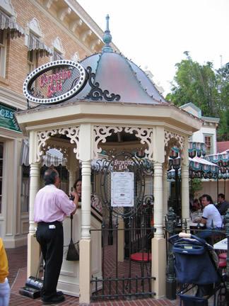 Reviews of Disneyland Carnation Cafe