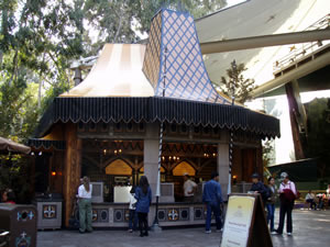 Reviews of Disneyland Troubador Tavern