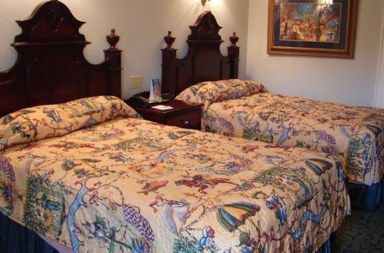 Port Orleans French Quarter Room