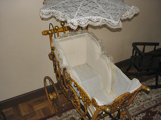miniture baby carriage