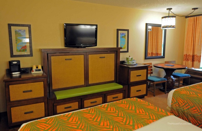 Caribbean Beach Resort Room Storage Pull Down Bed