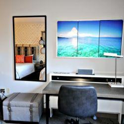Royal Pacific 2 Bedroom Desk